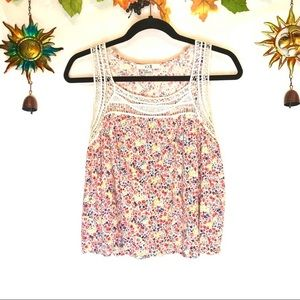 Forever 21 floral crochet tank top size L